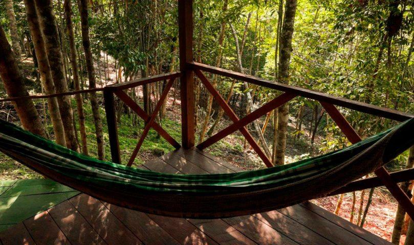 bangalo-varanda-com-vista-para-floresta